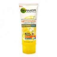 Garnier Facial Scrub - Light Complete Multi Action Brightening 100ml