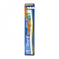 Oral-B Toothbrush - Classic Ultra Clean Wave Trim Deep Clean - Medium 1s